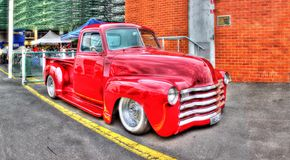 Le rouge 1948 prennent le camion Images stock