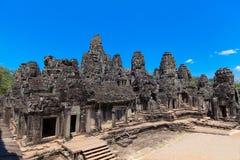 Le rovine antiche di un tempio khmer storico nel compl del tempio Immagine Stock