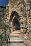 Le rovine della fortezza imperiale Beilstein inespugnabile, tedesche Fotografia Stock