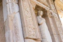 Le rovine della libreria di Celsus in Ephesus Immagine Stock Libera da Diritti