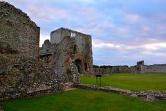 Le rovine di Baconsthorpe medievale fortificano, la Norfolk, Inghilterra, Regno Unito immagine stock