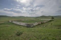 Le rovine di una prigione del condannato in Transbaikalia immagine stock libera da diritti