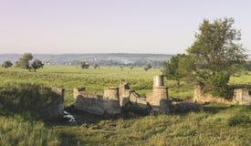 Le rovine di vecchio ponte Fotografia Stock