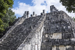 Le rovine maya antiche stagionate della costruzione di Maya Civilization Immagine Stock