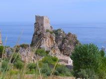 Le rovine sullo Scopello - la Sicilia - l'Italia di roccia Fotografia Stock Libera da Diritti
