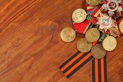 Le ruban et les médailles de George pour la victoire sur l'Allemagne dans la grande guerre patriotique de 1941-1945 Projectile ho Images stock