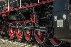 Le ruote principali di una locomotiva a vapore Fotografie Stock Libere da Diritti