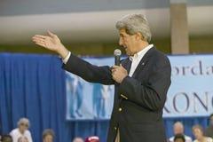 Le sénateur John Kerry s'adressant à l'assistance des aînés au centre de la vue REC de vallée, Henderson, nanovolt Photo stock