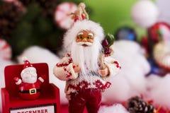Le ` s de Santa Claus et de nouvelle année classent le 31 décembre sur le backgr Photographie stock libre de droits