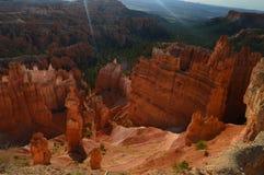 Le ` s de Thor martèle chez Dawn In Bryce Canyon Formations de Hoodos géologie Voyage nature photo stock