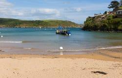 Le sabbie del sud tirano la spiaggia in secco BRITANNICA di Salcombe Devon nell'estuario di estate Fotografie Stock Libere da Diritti