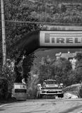 LE SAINT-MARIN, SAINT-MARIN - 21 OCTOBRE 2017 : Course historique de vieux rassemblement de la voiture de course 1988 de St 165 d Photos libres de droits