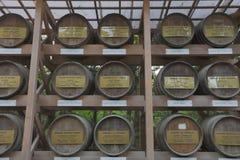 Le saké Barrels, vin de riz japonais de tradition chez Meiji Shrine Photographie stock