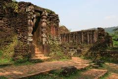 Le sanctuaire Cham de min son Vietnam Arkivfoton