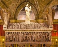 Martyre du 4ème siècle Barcelone catholique gothique de St Eulalia de Crpyt image stock