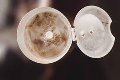 Le sarrasin comme source des acides aminés essentiels et des produits idéaux pour des athlètes dans un chaudron sur le kihni de t photo libre de droits