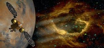 Le satellite au-dessus de la planète d'étranger et de la galaxie fantastique photographie stock