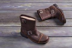 Le scarpe degli uomini caldi della pelliccia Fotografie Stock Libere da Diritti