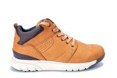 Le scarpe degli uomini in cuoio naturale del nubuck isolato su fondo bianco immagine stock libera da diritti