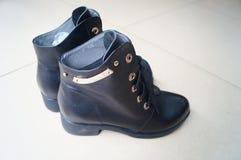 Le scarpe di cuoio delle donne Fotografia Stock