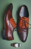 Le scarpe e gli orologi degli uomini Immagine Stock Libera da Diritti