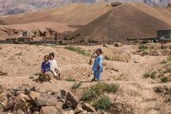 Le scogliere dell'arenaria della provincia bamiyan di Afghanistan Immagine Stock