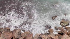 Le scogliere di Ibiza, la cottura orizzontale e le viste panoramiche di un ibiza tirano di estate stock footage