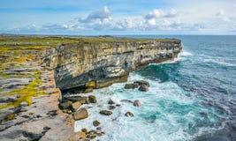 Le scogliere di Inishmore, Aran Islands, Irlanda Fotografia Stock Libera da Diritti