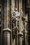Le sculture dei san e dei martiri che decorano la cattedrale di Milan Duomo di Milano sono primo piano del colpo Fotografie Stock Libere da Diritti