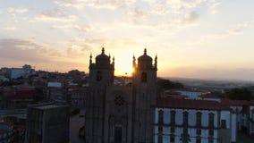 Le Se de façade de vue de bourdon font Porto au lever de soleil banque de vidéos