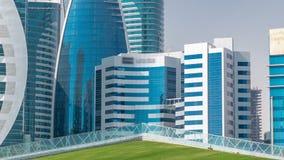 Le secteur ayant beaucoup d'étages du timelapse de Doha banque de vidéos