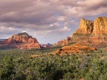 Le sentier de randonnée d'Edona Arizona mène aux vues étonnantes de désert Photographie stock libre de droits
