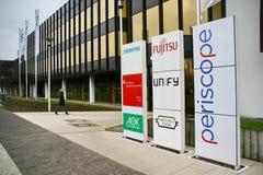 le Service informatique-centre, Paderborn, sociétés Siemens, fujitsu, unifient, périscope, encaissant Photographie stock libre de droits