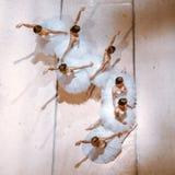 Le sette ballerine sul pavimento Fotografia Stock