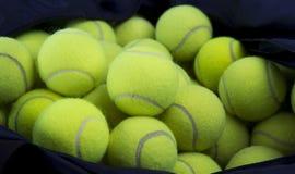 Le sfere di tennis e trasportano il sacchetto Fotografie Stock