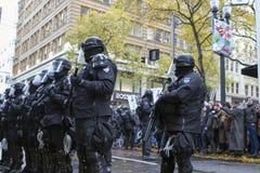 Le shérif du comté de Multnomah dans le tenue anti-émeute pendant occupent Portland 201 Images libres de droits