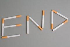 Le sigarette dicono l'ESTREMITÀ Fotografia Stock Libera da Diritti