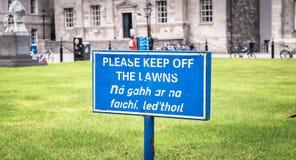 Le signe bleu retiennent svp les lois en anglais image libre de droits