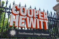 Le signe du tonnelier Hewitt, musée de conception de Smithsonien photographie stock libre de droits