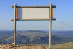 Le signe sur la montagne photographie stock