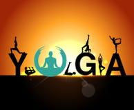 Le siluette nell'yoga posa un fondo di primo mattino, il giorno di yoga del mondo, i modelli di progettazione per il centro della Fotografia Stock Libera da Diritti