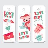 Le singe mignon de cupidon, les ailes de l'amour, et l'illustration de bande dessinée de boîte-cadeau pour des étiquettes de cade illustration libre de droits