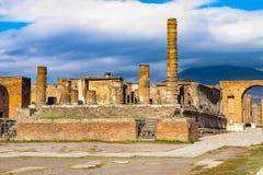 Le site antique célèbre de Pompeii, détruit par l'éruption du Vésuve photos libres de droits