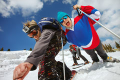 Le skieur ont un amusement en hautes montagnes Photos libres de droits
