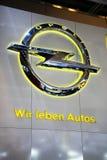 Le slogan d'Opel - nous aimons des véhicules Images stock