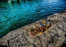 Le soi-disant amour ferme à clef à un mur de la rivière la Seine à Paris Photographie stock