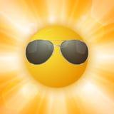 Le soleil abstrait avec des lunettes de soleil Photos libres de droits