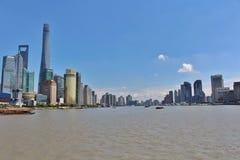 Le soleil brille au-dessus de Changhaï images stock