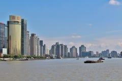 Le soleil brille au-dessus de Changhaï photographie stock