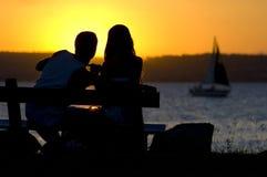 le soleil d'amoureux Photos stock